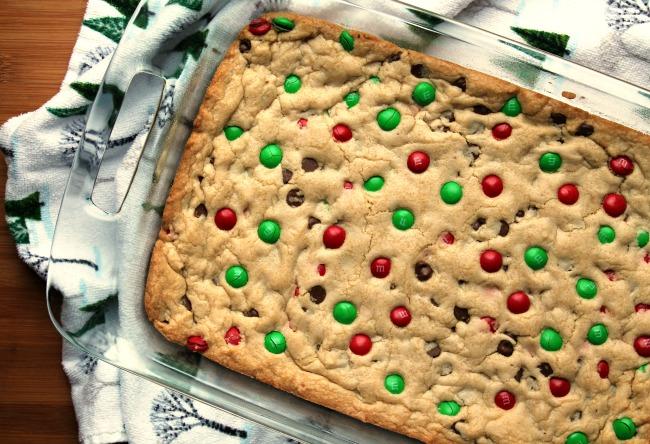 M&M Christmas Cookie Bars - Foody Schmoody Blog   Foody Schmoody Blog