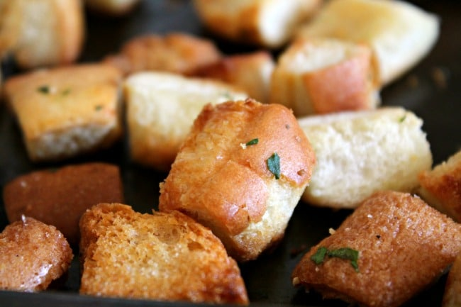 Toasted buttery garlic croutons