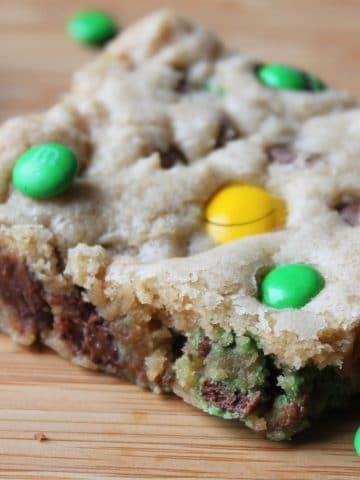close up cookie bar