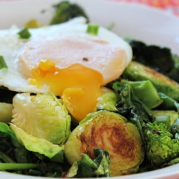 veggie breakfast bowl runny egg
